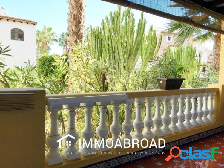 Apartamento en venta en Torrevieja con 3 dormitorios y 2