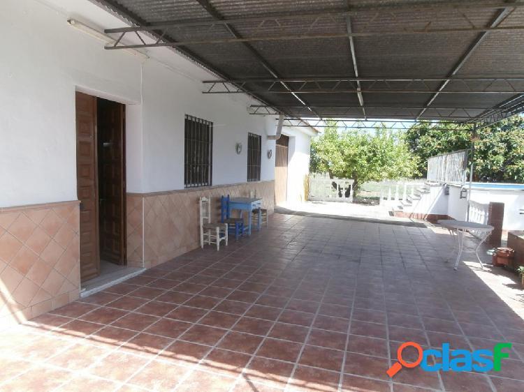 CASA DE CAMPO CON PISCINA Y BARBACOA, CERCA DEL PUEBLO