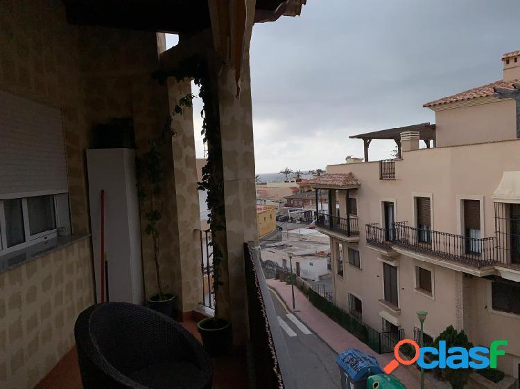 Piso en Villaricos con vistas al mar desde la terraza.