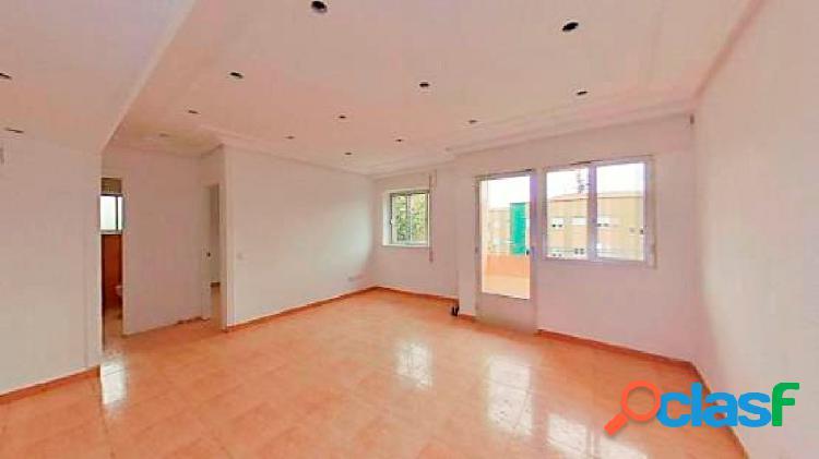 Urbis te ofrece un interesante piso en venta en zona San