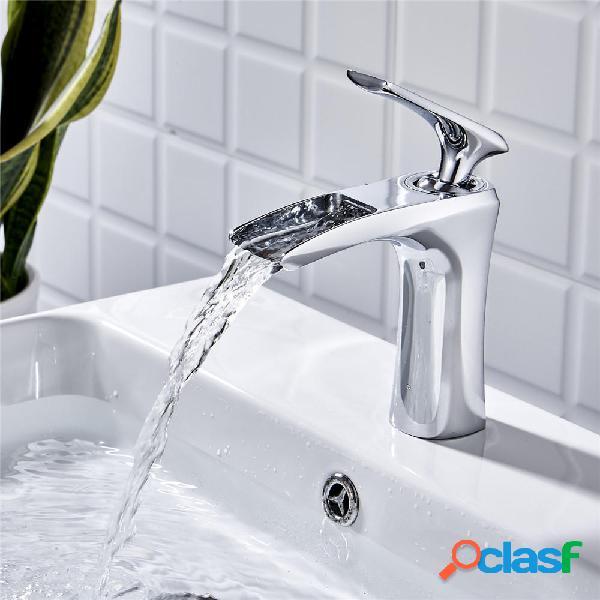 Grifo de cascada Cuarto de baño Grifo para lavabo Grifo