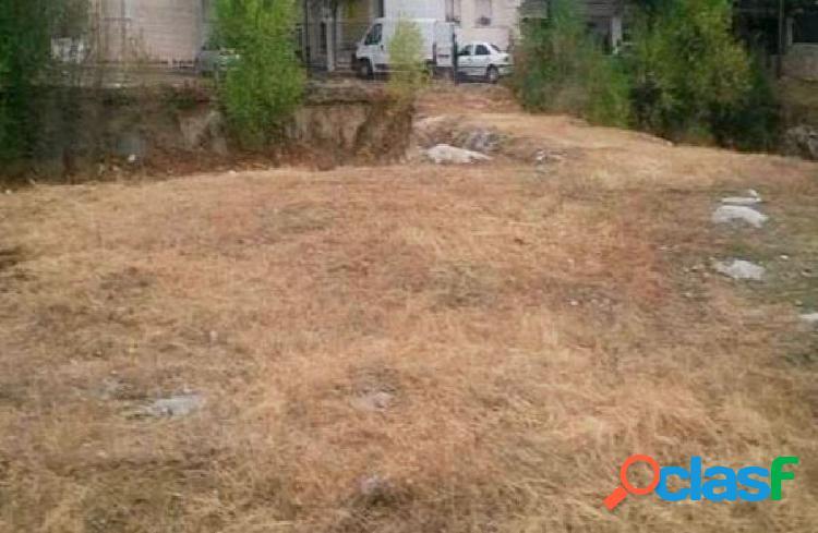 Urbis te ofrece un terreno en venta en El Tiemblo, Ávila.
