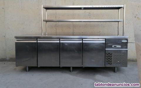 Mesa fría con pasaplatos 245cm
