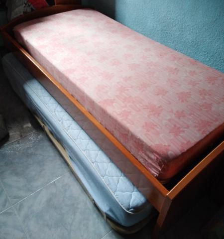 Ganga-- Vendo cama juvenil + otra cama debajo