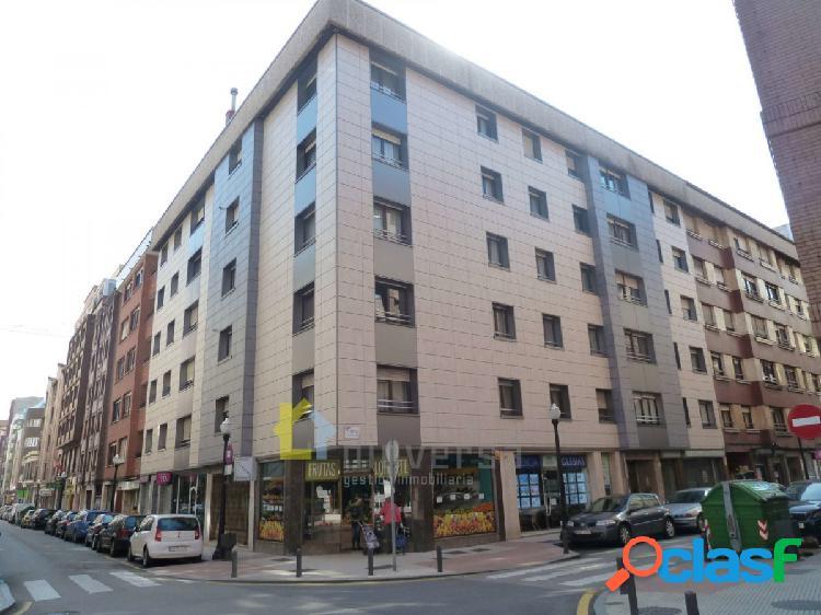 Amplio piso de 4 dormitorios en el cetro de Gijón y cerca