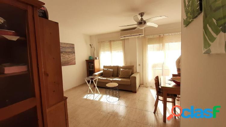 Apartamento de 56 m2, con 2 dormitorios. Terraza. Buen