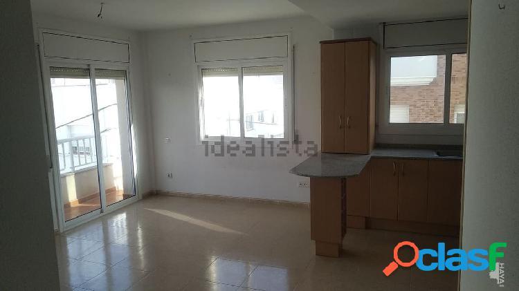 Apartamento de 56 m2, útiles, de 2 dormitorios. Terraza,