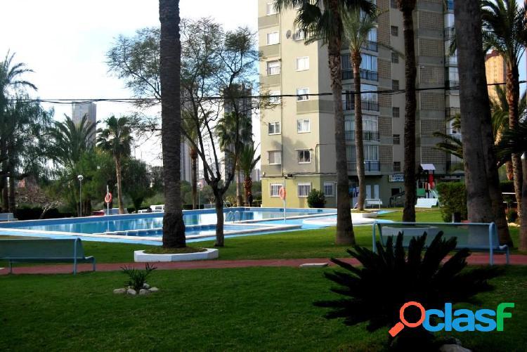 Apartamento en Poniente con parking y piscina