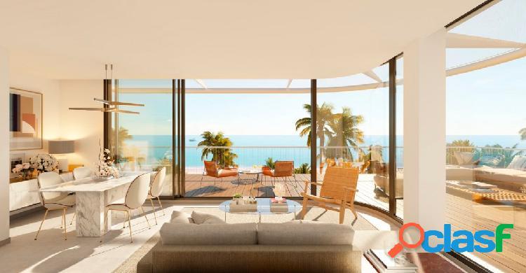 Apartamentos de 1, 2 y 3 dormitorios junto a la playa en