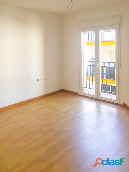 Bonito piso, a estrenar, situado junto a la Avenida de