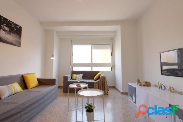 Buscas un piso reformado y exterior?