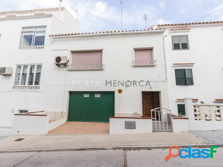 Casa con garaje en venta en Mahón