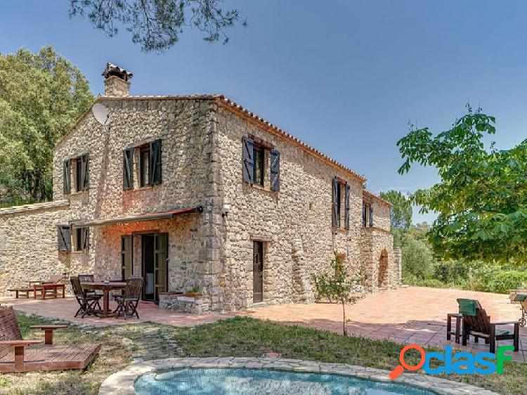 Casa de campo-Masía en Venta en Terrades Girona
