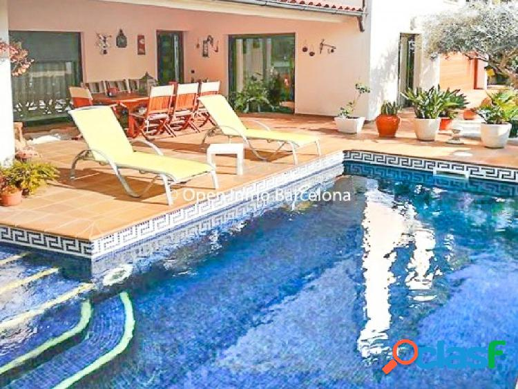 Casa en venta en Sitges zona Levantina (posible con opcion a