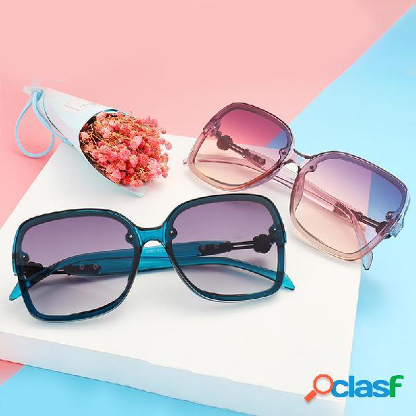 Gafas de sol de moda para mujer con marco grande Anti UV400