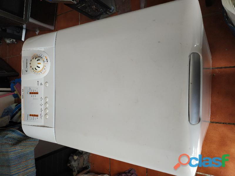 Lavadora Candy mod: CTG 1056, 6kg. carga superior