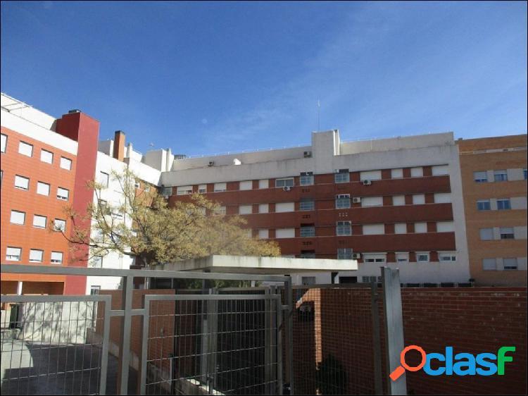 Piso de dos dormitorios en venta en Ciudad Real. Zona Ctra.