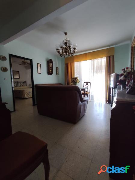 Piso de tres dormitorios al lado del Metro de San Juan Alto