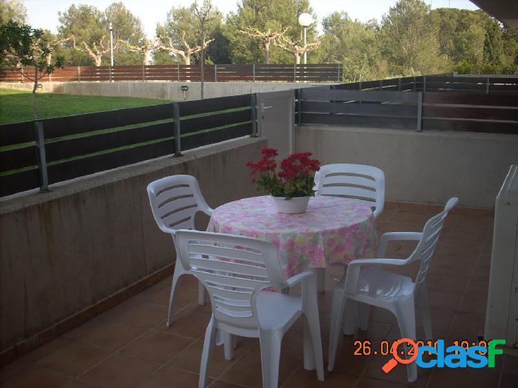 Planta Baja de 70 m2 2 dormitorios con piscina comunitaria.