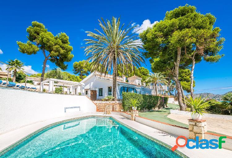 Preciosa villa estilo mediterráneo con bellas vistas y