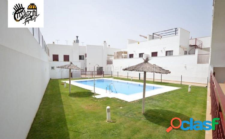 SE alquila coqueto apartamento con piscina temporadas