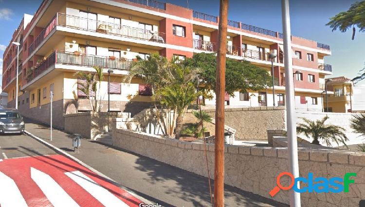 San Isidro Piso 2 habitaciones, 2 baños con garaje y