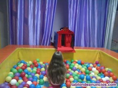 Se traspasa ludoteca- parque de bolas totalmente equipado.