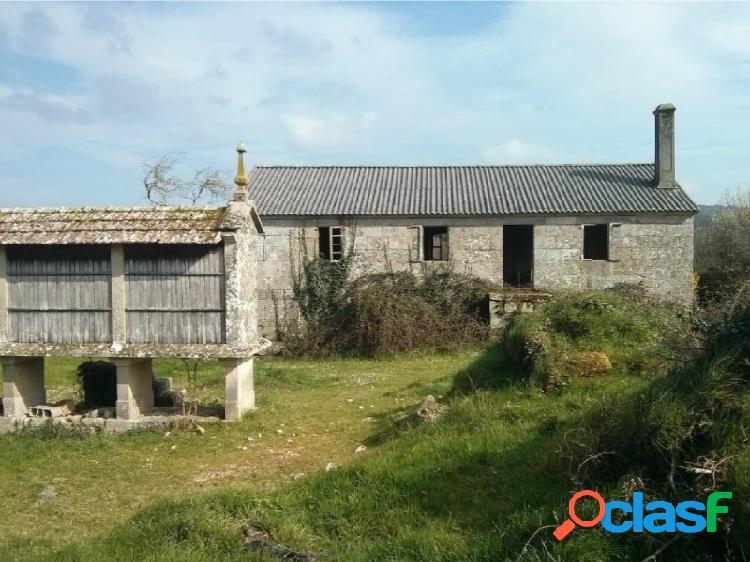 Se vende casa para restaurar en Rellas-Silleda