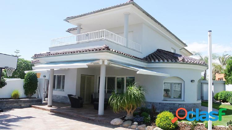 Villa de estilo mediterráneo c