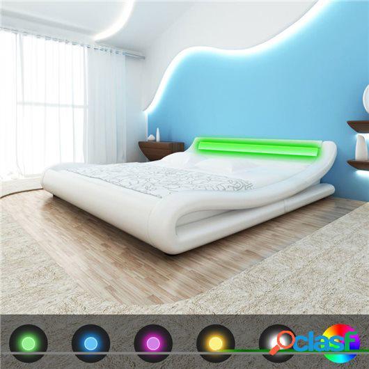 Cama de cuero sintético blanca con colchón y LED 140x200