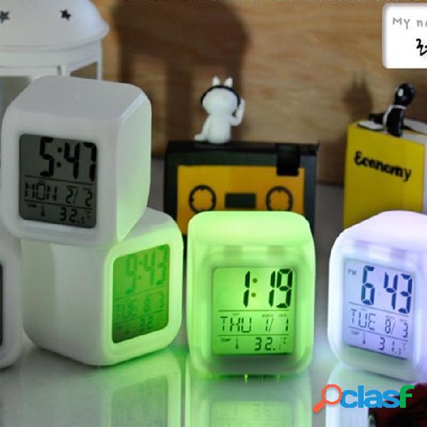 7 colores cambian el reloj de alarma del reloj de Digitaces