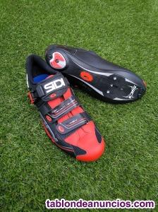 Zapatillas road sidi genius 7 negro rojo.