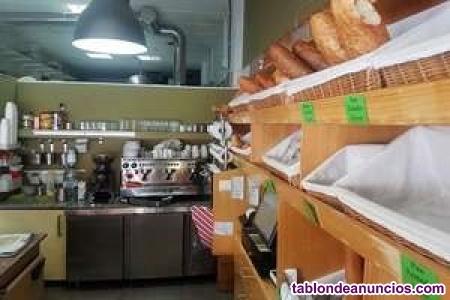 Se traspasa cafetería-panadería a pie de calle en el