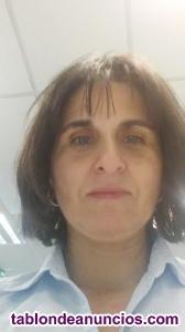 Profesora filóloga da clases de inglés, alemán, latín,