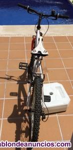 """Bicicleta de montaña de 24"""""""