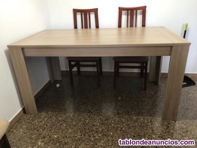 Mesa de comedor y mueble aparador o buffet