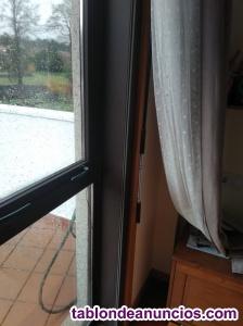 Venta de ventanas y puerta exterior de aluminio marrón