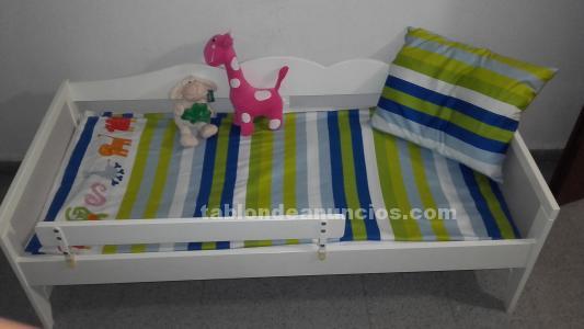 Cama niña ikea blanca y colchón
