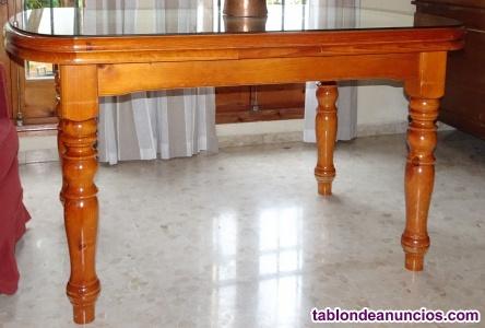 Mesa comedor extensible y 4 sillas a juego