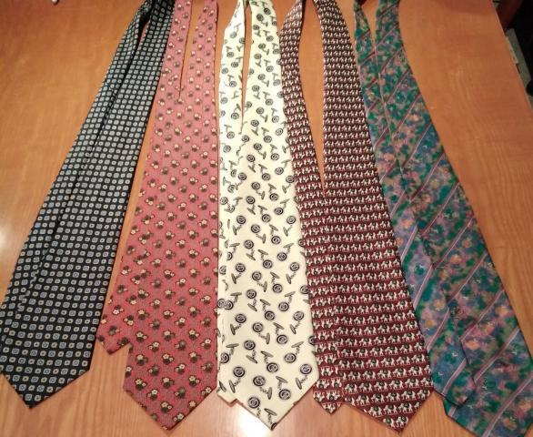Vendo lote de 5 corbatas TODAS POR 10 €