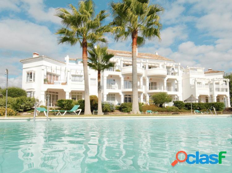 Apartamento en Venta en Guadalmina Baja, Marbella, Malaga