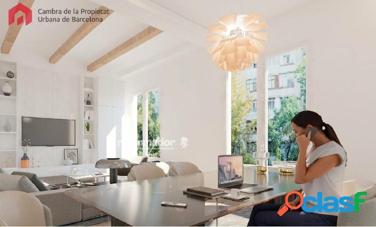 Carrer Aribau, piso alto y soleado de 100 m2 a 5 minutos de