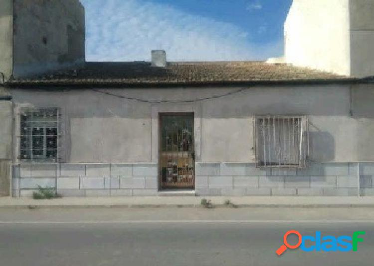 Casa adosada en Dolores. Ref. 00694