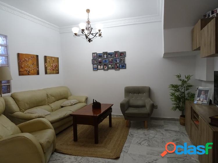 Casa en venta en Mairena Del Alcor de dos plantas.