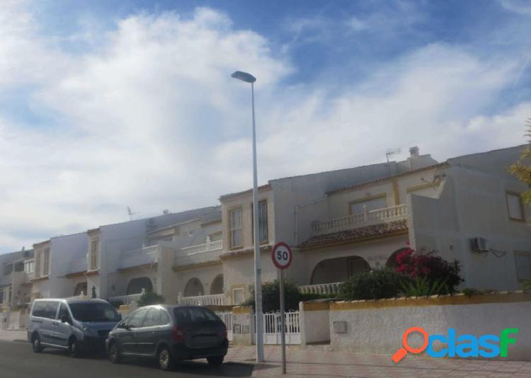 Chalet adosado en venta en Calle Canarias, 6, Bajo 26,