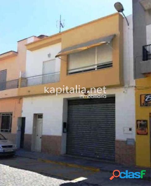 Local comercial a la venta en Alberic (Valencia)