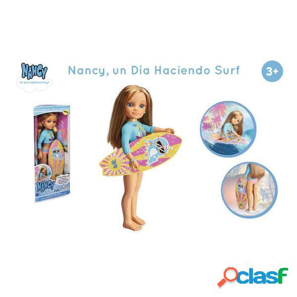 Nancy un Día Haciendo Surf Muñeca