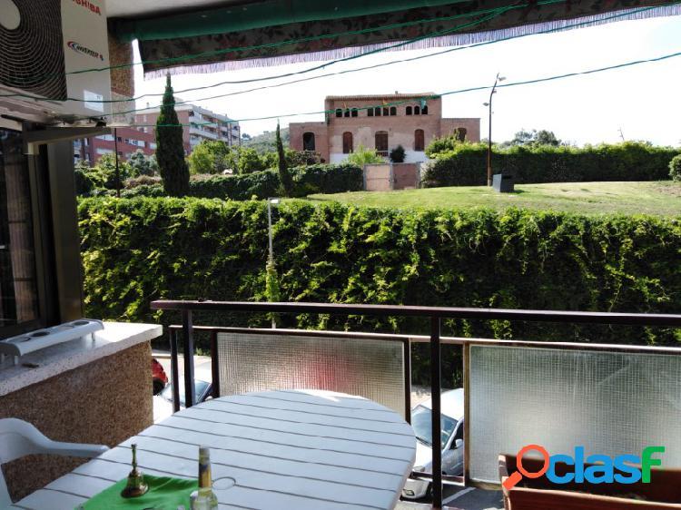 PISAZO DE 4 HABITACIONES CON PLAZA DE PARKING EN ZONA