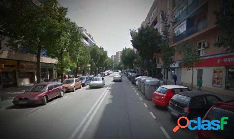 PISO AMUEBLADO DE DOS DORMITORIOS EN LA AVDA FELIPE II EN EL