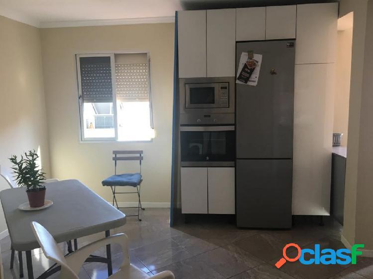 Piso de 2 dormitorios (antes 3) cocina amueblada integrada